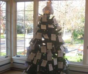Advent-Giving-Tree
